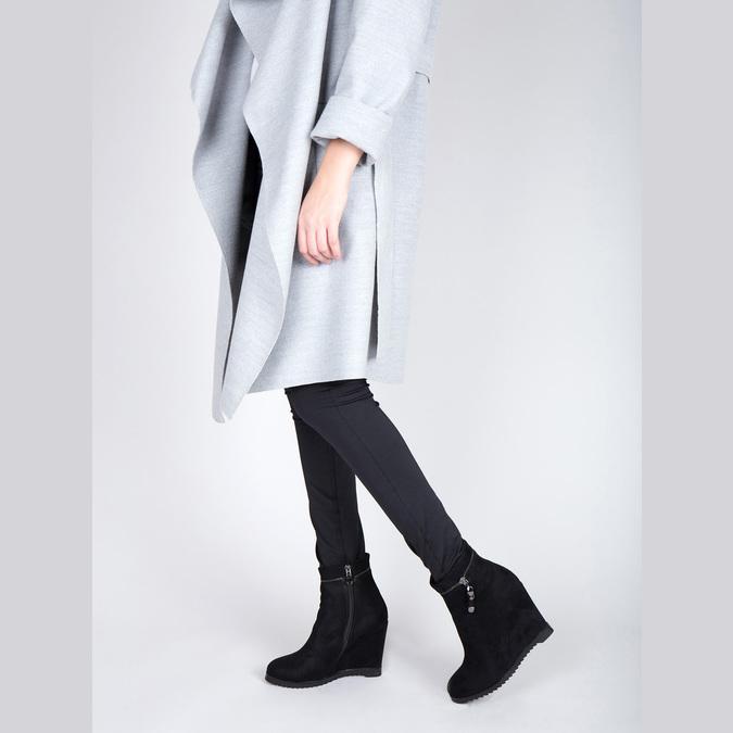 Dámska členková obuv na klínovom podpätku bata, čierna, 799-6631 - 18