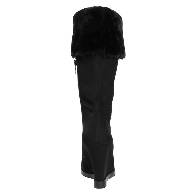 Čižmy na klínovom podpätku s chlpatým lemom bata, čierna, 799-6630 - 17