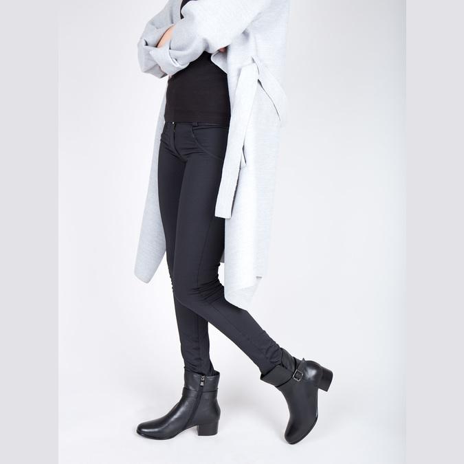 Kožené členkové čižmy na nízkom podpätku bata, čierna, 694-6630 - 18
