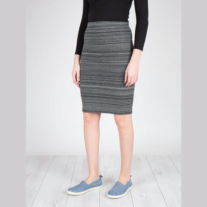 Dámska kožená obuv s perforáciou bata-light, modrá, 516-9601 - 18