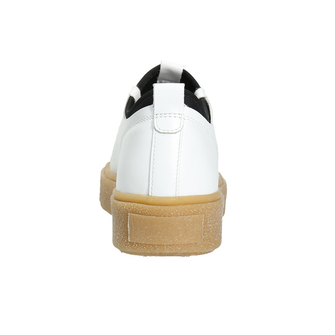 Dámske kožené tenisky na flatforme bata, biela, 526-1645 - 17