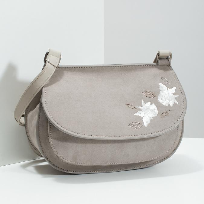 Crossbody kabelka s výšivkou bata, 969-3686 - 17