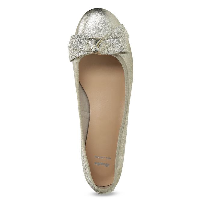 Kožené baleríny na nízkom podpätku bata, zlatá, 526-8420 - 17