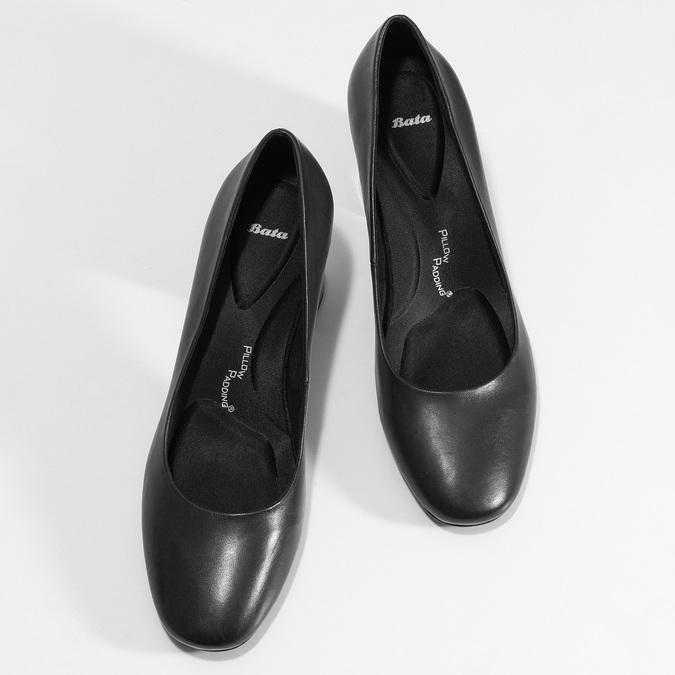 Čierne lodičky s lakovaným podpätkom pillow-padding, čierna, 724-6656 - 16