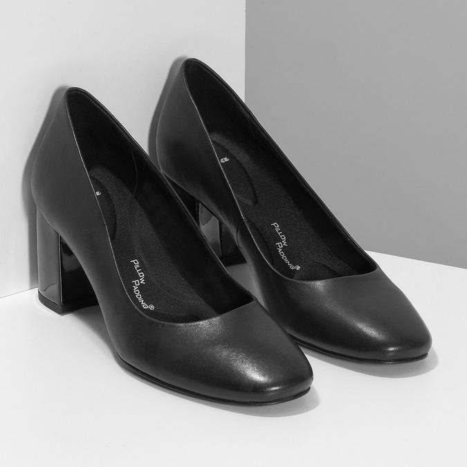Čierne lodičky s lakovaným podpätkom pillow-padding, čierna, 724-6656 - 26