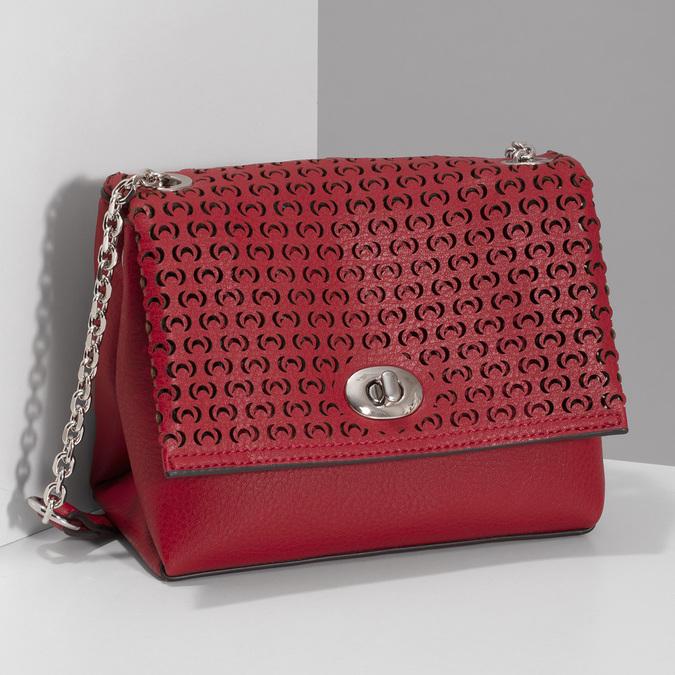 Červená Crossbody kabelka s perforáciou bata, červená, 961-5941 - 17