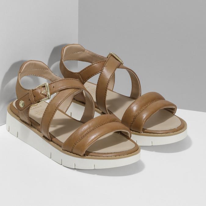 Dámske kožené sandále na svetlej podrážke flexible, hnedá, 563-4601 - 26